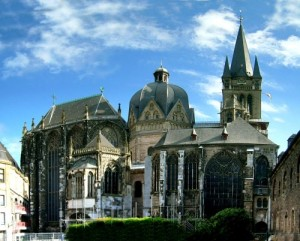 Cathedrale-Aix-la-Chapelle-500x402