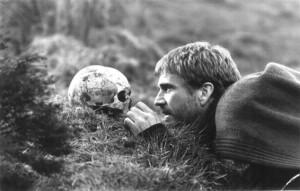 hamlet-secretele scheletelor